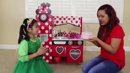 做生日蛋糕给玩具店老板  儿童成长陪伴 启蒙英语