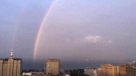 山东威海雨后现双彩虹, 朋友圈刷屏!