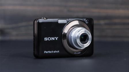 拼多多质量调查: 相机买回来才发现是木目木几