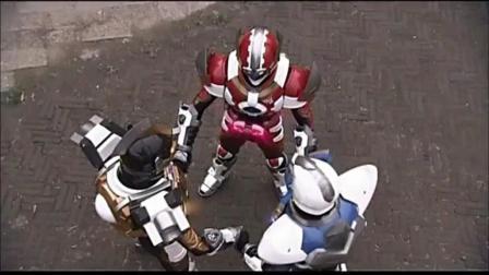 刑天铠甲: 刑天小队将能晶转走, 为了这场战斗他们已经做好准备!