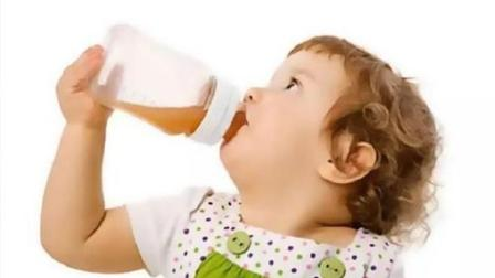 7个月宝宝便秘, 奶奶自作主张给宝宝吃蜂蜜, 没想却差点害了孩子