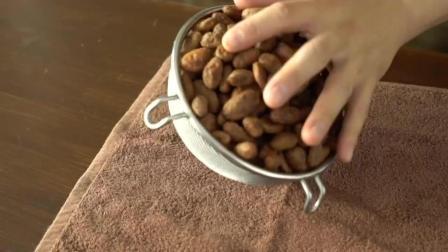 美味食谱, 买来一斤咖啡豆, 自己就能在家做巧克力, 原来这么简单