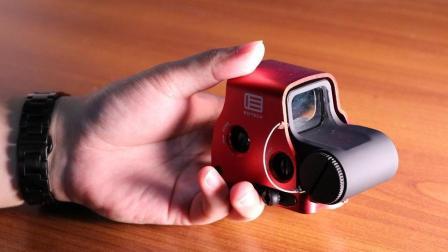 现实中的全息比八倍镜好太多, 一个视频告诉你全息瞄是怎么样的