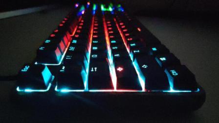 「蓝猫开箱」小米游戏键盘开箱, 灯光绚丽质感佳, 好看能当饭吃?