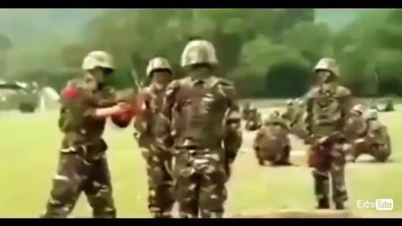 搞笑视频: 国内外部队里碉堡、搞笑视频集锦