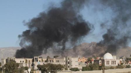 沙特爱国者拦截胡塞武装导弹失败, 拐弯后冲向自己人!