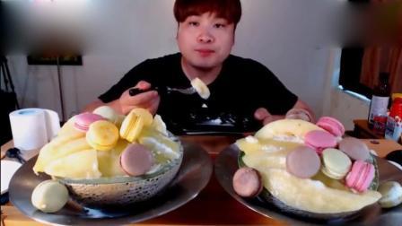 韩国大胃王胖哥Donkey, 冰镇哈密瓜就着马卡龙, 一口一个, 解暑!