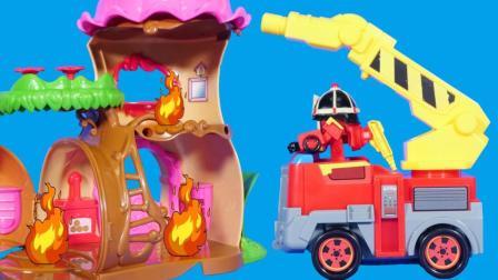 变形警车珀利的消防局过家家玩具