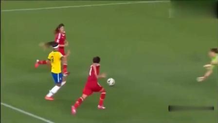 巴西女足进球后疯狂嘚瑟, 中国女足微微一笑, 最