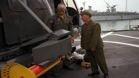 """中国""""航母之父""""刘华清老将军, 当年的踮脚一望, 令人感慨万千!"""