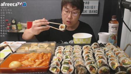 韩国大胃王大叔, 吃7行紫菜包饭卷、辣炒年糕、鱼饼汤, 太能吃了