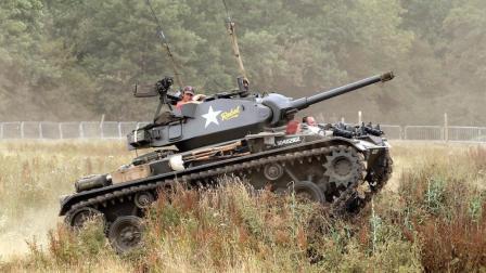 美国设计师为了一雪前耻, 设计出在非洲沙漠扬名立万的霞飞坦克