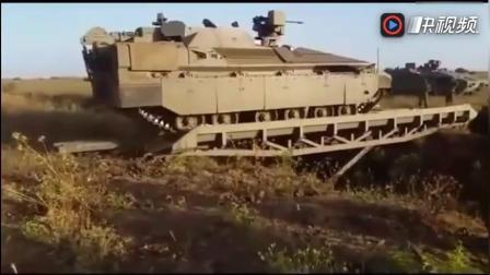 """实拍以陆军""""雌虎""""重型步兵装甲车, 惊人越障能力让人羡慕!"""