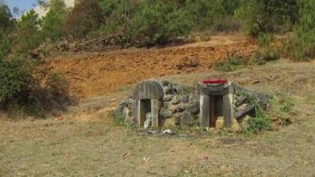 中国最牛祖坟: 路过此地必须行礼, 国家修铁路都得改道!