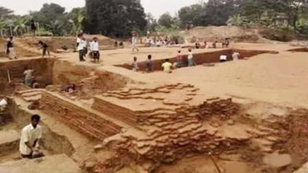 考古挖掘一辽代古墓, 进入后专家大喜, 千年棺椁