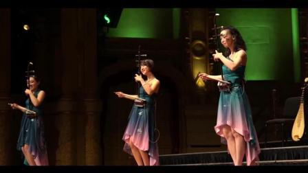 女子十二乐坊在国外演出, 二胡一首《赛马》台下观众听完掌声雷动
