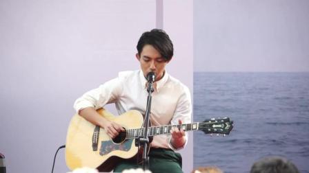 林宥嘉吉他弹唱歌曲《不知所谓》嗓音太有磁性, 一唱完台下沸腾了