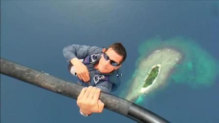 贝爷超级经典的跳伞镜头, 我更佩服摄影师!