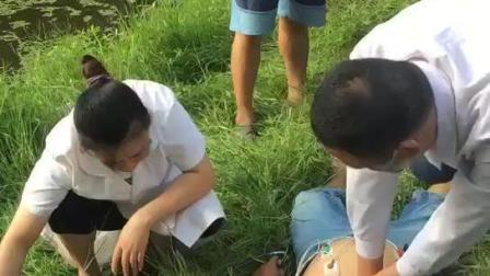 河南省淮滨县野河钓鱼, 钓友不小心碰到高压线!