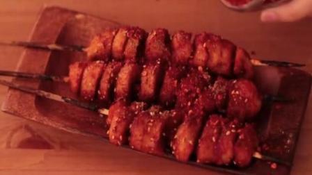西安烤面筋的烧烤料中加入了这种神奇的香料才火遍全国