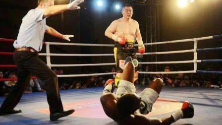 中国人的骄傲! 他拜师世界拳王, 19战19KO, 从未让对手站着离开!