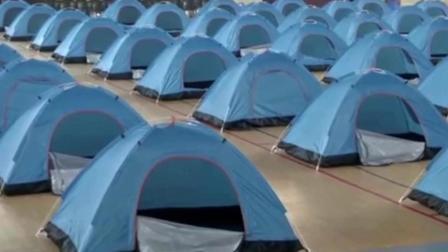 高校体育馆搭帐篷 为新生家长提供免费住宿