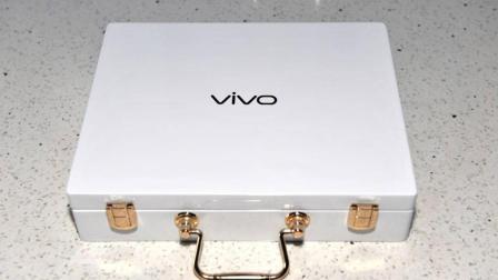 899元买了台原价4299的vivo手机, 打开箱子一刹那: 我哭笑不得!