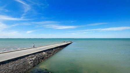 世界上最危险的海上公路, 看起来死路一条, 其实