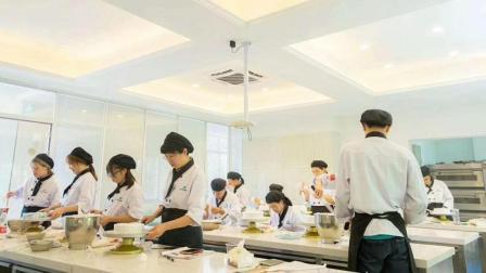 上海蛋糕培训面包培训蛋糕烘培西点西点培训学校飞航美食学校