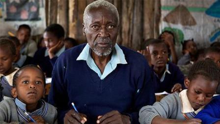84岁的一年级生, 一位令人钦佩的老者