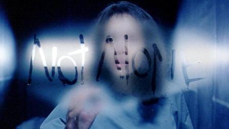 小涛电影解说: 5分钟带你看完英国经典恐怖电影《鬼影人》