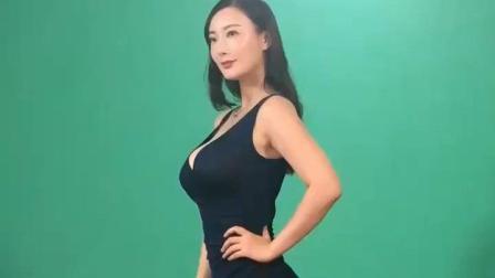 久未露面的王李丹妮素颜也很美, 不过最喜欢看她主演的一路向西!