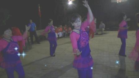北江美广场舞