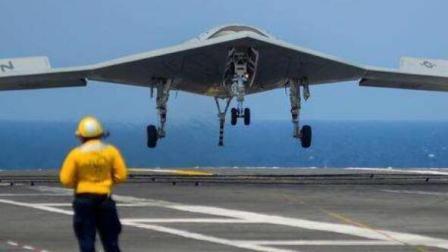 无人攻击机X47B在美国航空母舰上起降测试