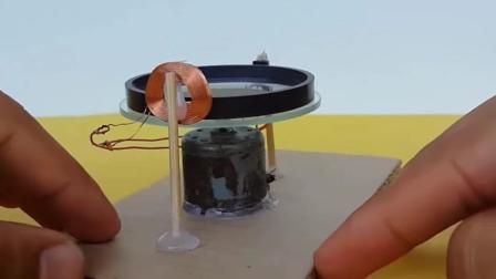 牛人制作的一套装置, 用铜丝和磁铁实现电能自给