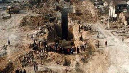 纪晓岚竟有此等癖好, 村民挖开墓室被吓到, 专家看后直呼: 太恶心