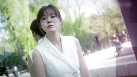 亲艾的衣橱:美女主持身穿白色连衣裙登场,三