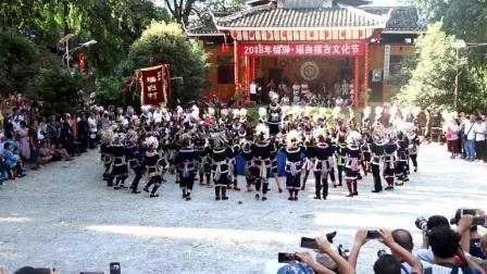 黔东南侗寨青年男女载歌载舞过侗节, 民族青年歌唱家雷艳欢唱《瑶白, 乐悠悠》