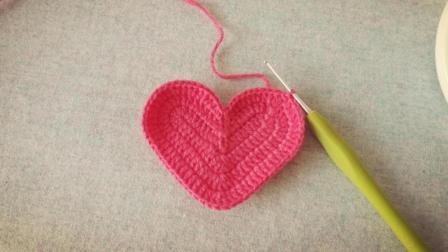 手工编织新手学习钩针心形织物编织教程附图解用毛线钩织
