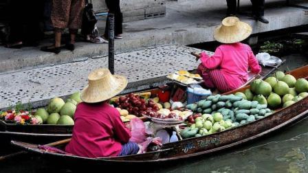 去泰国旅游, 千万不要接美女递给你的草帽, 有游客不听劝就后悔了