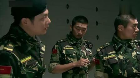 特种部队来了一次特种作战, 全体伪装成女人, 拿口红当武器, 对手是傻子吗?