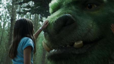 饿狼想吃掉小孩, 可看到小孩养的宠物, 吓得落荒而逃!