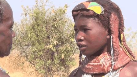这个非洲最脏的原始部落, 女人满头涂满牛粪, 脖子上戴泥土项圈! 你去过吗?