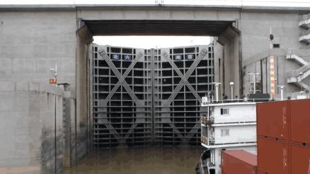 高速公路要收费, 那三峡大坝过船一次要收多少钱
