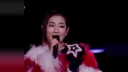 SHE组合2018重新登台演唱《恋人未满》, 唱功真是达到超高的境界