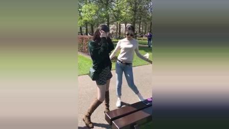 两个小姐姐跳舞, 我都喜欢