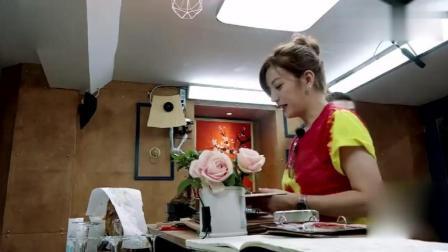 《中餐厅2》镇店之宝被发现, 赵薇照片成菜谱封面