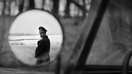 战争新片《冒牌上尉》: 从被追杀的逃兵到元首特使