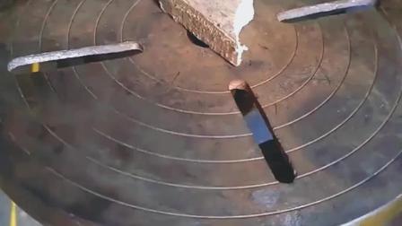一把废旧螺丝刀被牛人制成这个工具, 不愧是天才