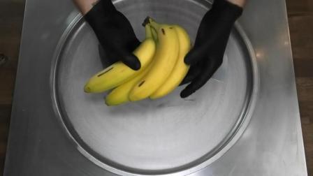 泰式炒冰淇淋卷, 用新鲜的香蕉, 做成的冰淇淋卷, 看着太馋人了